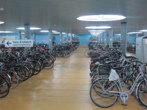 Fahrradparkhaus in Basel am HBF