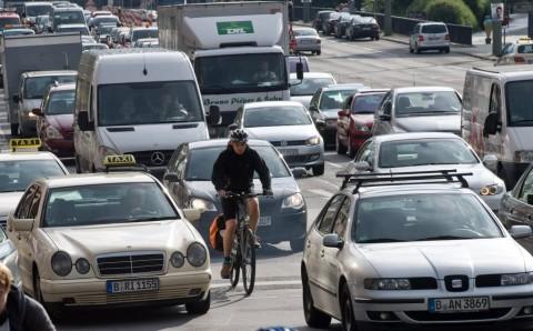 Verkehr in Berlin, Leipziger Strasse.