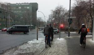 Radrutschpartie im Winter: Die ungeräumten Radwege Berlins